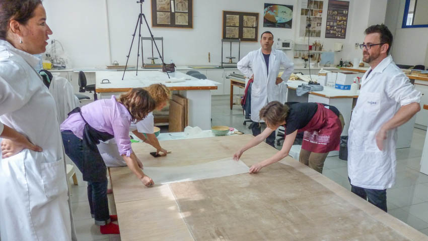 Conservation process: lining with japanese paper